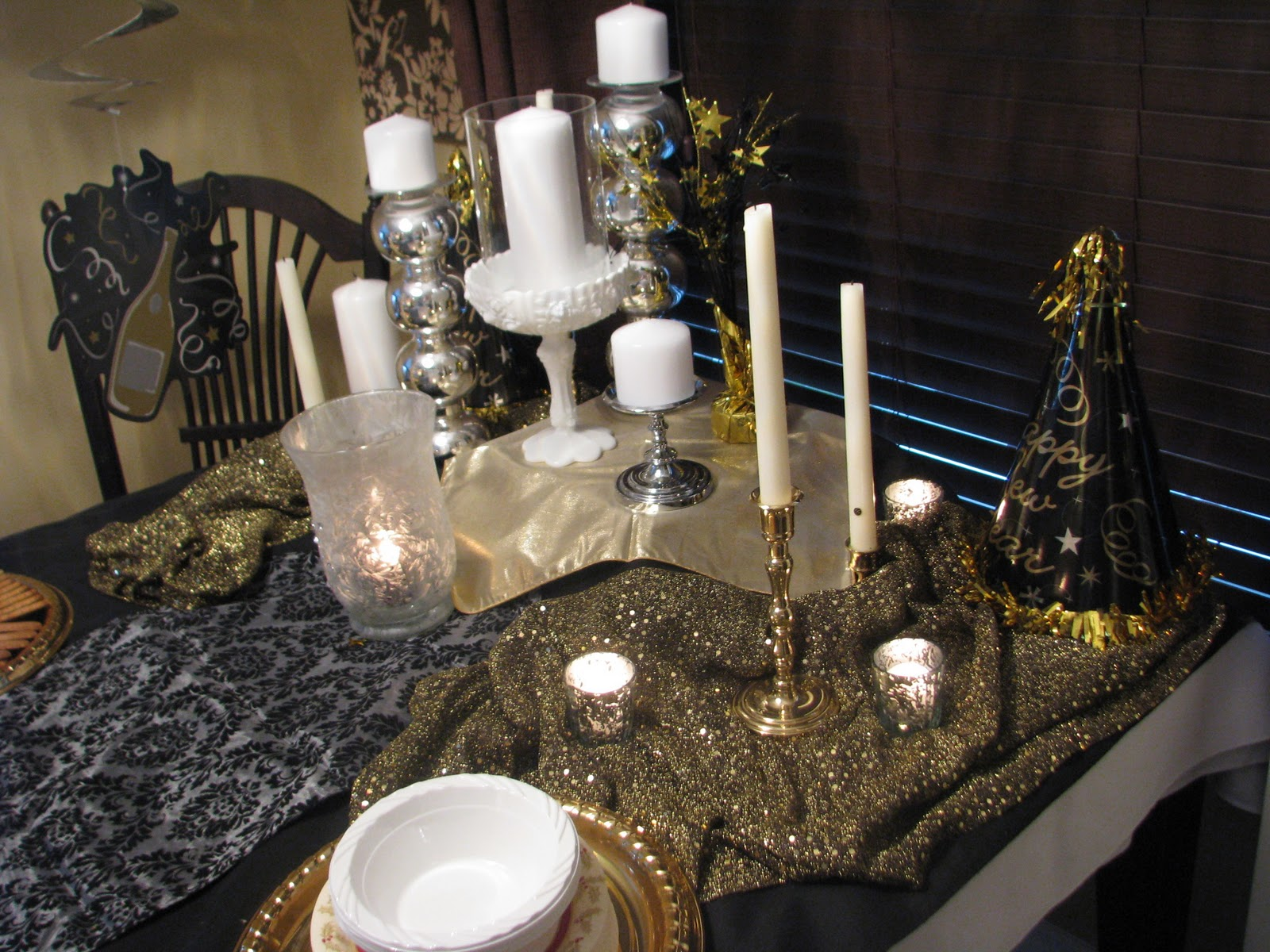 That Would Sparkle On A New Years Table But I Wanted Just Something Little More Trip To Fabricland And Dollarama We Were Off The Races